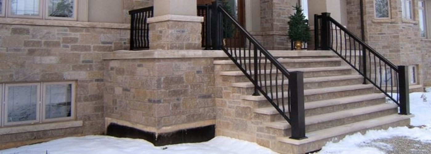 Aluminum Railings with Strength & Styles